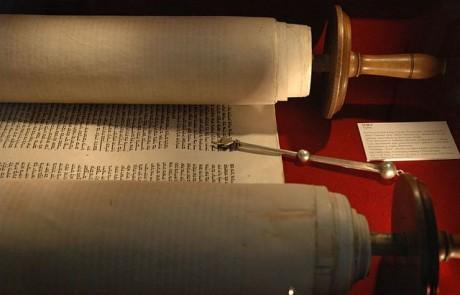 """הרב שמואל טל: """"כוחות"""" אינם רוח הקודש"""