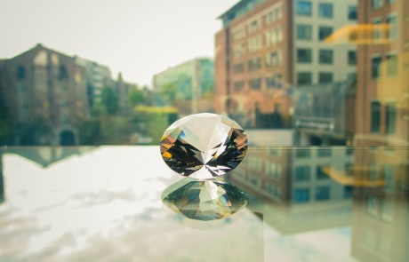 לעשות מהזכוכיות יהלומים
